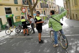 La Policía Local ha multado a dos ciclistas por desacato a la autoridad