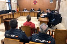 Dos años de cárcel para el joven que robó 19.500 euros a un amigo que estaba en coma en Ibiza