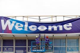La organización del Mobile World Congress mantiene la feria «de momento» pese a la treintena de bajas
