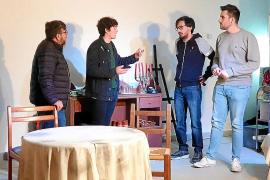Los actores amateurs de la compañía llevan trabajando intensamente durante meses en la obra