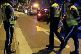 Una mujer deja a su hijo de 10 años encerrado en el coche para irse a beber a un bar en Palma