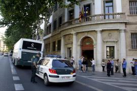 Acepta en Palma una multa de 540 euros por publicar fotos en una revista de su ex desnuda