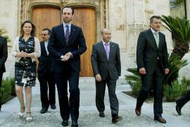 Bauzá responde a la oposición y niega la incompatibilidad de su cargo y sus negocios