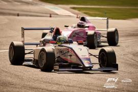 Lorenzo Fluxá firma dos podios en la Fórmula 4 de Yas Marina