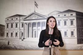 De cajera a ministra: El currículum de Irene Montero se viraliza