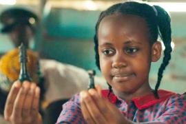 Muere la actriz de Disney, Nikita Pearl Waligwa, a los 15 años