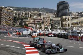 Schumacher logra la 'pole' en Mónaco pero saldrá sexto, por detrás de alonso, por sanción,