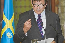 El nuevo presidente de Asturias afirma que no será «un ariete» contra Rajoy
