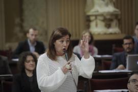 Armengol pide a Campos que «deje de insultar a los profesores de la enseñanza pública»