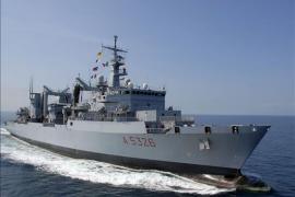 Tropas españolas detienen a seis piratas y recogen a uno muerto