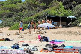 El Ajuntament de Manacor y cuerpos de seguridad pactan medidas para proteger Cala Varques