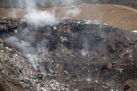 Extinguido el fuego que se había reactivado en el vertedero de Zaldibar