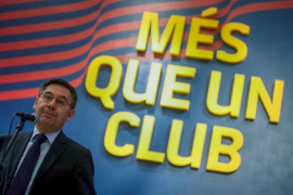 Miembros de la junta barcelonista presionan a Bartomeu para que se aparte