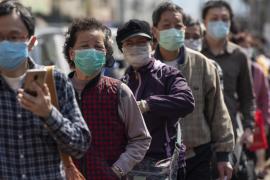 China eleva a 2.345 los muertos y a 76.288 los contagiados por el coronavirus