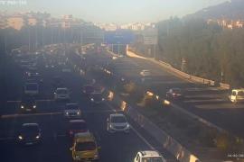 Un accidente entre varios coches provoca colas kilométricas en la Vía de Cintura de Palma