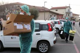 Asalto a los supermercados en Italia tras el brote de coronavirus