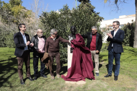 Hila vuelve a reclamar la devolución de la casa de Emili Darder en el acto de inauguración de su busto