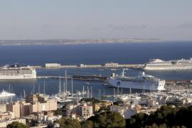El Govern pide a Autoridad Portuaria que no reserve ningún crucero desde 2022