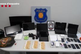 Desarticulado un grupo criminal que vació la cuenta de pensionistas de toda España mediante 'vishing'