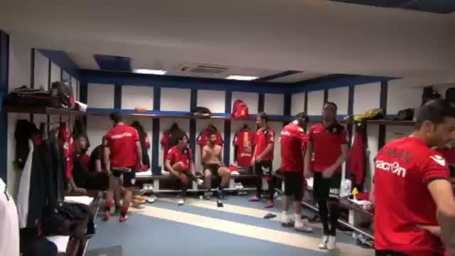 Caparrós muestra imágenes inéditas del vestuario antes del último encuentro contra el Madrid