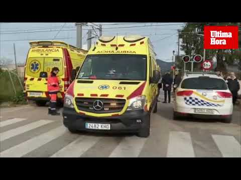 El tren de Inca golpea a una adolescente que se había quedado atrapada con su bicicleta en las vías