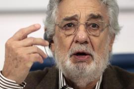 Plácido Domingo cancela actuaciones y puntualiza sus disculpas por acoso