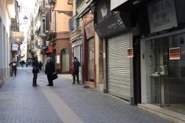 Los comerciantes cierran sus negocios en protesta contra la política de movilidad de Cort