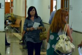 Una imputada se considera indefensa respecto al jefe de protocolo del Consell