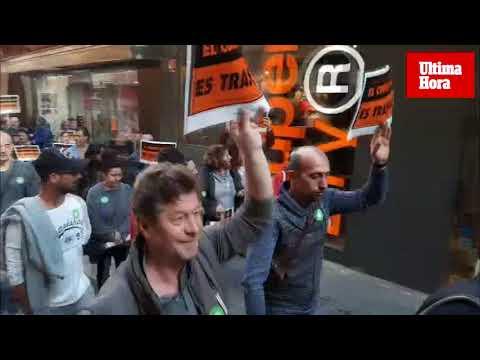 Los comerciantes irrumpen en el pleno de Cort y reclaman ser escuchados