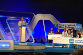 Cospedal alaba en Palma las reformas de Bauzá en sanidad y educación