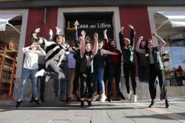 Casa del Libro abre en Palma con compradores en la puerta
