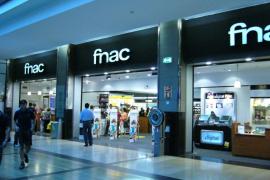 Fnac, obligada a vender por 139 euros un móvil de 699 que rebajó «por error»