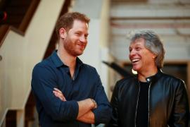 príncipe Harry y Bon Jovi