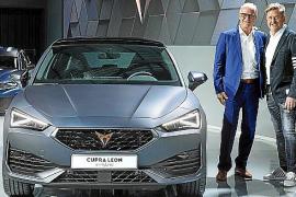 Cupra estrenó nueva sede con el primer Cupra León