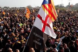 Unas 150.000 personas acuden a Perpiñán para aclamar a Puigdemont