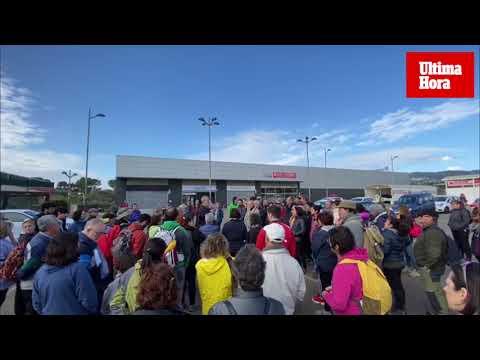 Cien personas se movilizan para parar las obras de Son Puigdorfila