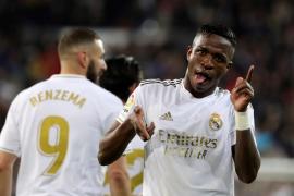 El Madrid recupera el liderato en el clásico