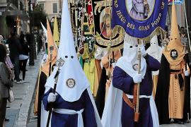 El obispo refuerza su control sobre las cofradías con un cambio de estatutos