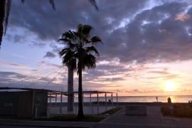 Amplían el horario de vigilancia contra el turismo de excesos en una parte de la Playa de Palma