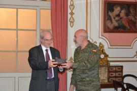 Ramon Morey recibe un homenaje en la Comandancia General de Baleares