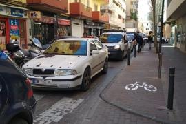 Atascos en es Pratet por las obras de asfaltado