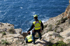 Laborioso rescate del cadáver de un hombre que apareció despeñado en el Cap Blanc