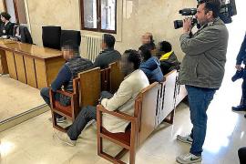 Ocho años de prisión por usar a su hijo menor para vender droga en Magaluf