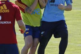 Fàbregas se recupera y vuelve a entrenar, mientras que Navas da el susto antes de viajar a Polonia