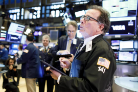 Wall Street se hunde y cierra 15 minutos por pánico al coronavirus