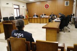 Un joven acepta dos años de cárcel por abusar de su novia menor de edad en Palma