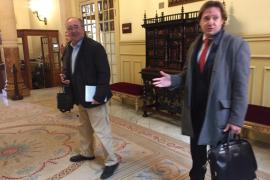 Cargos de Vox abandonan el Parlament y Cort tras haber estado en contacto con Ortega Smith