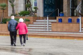 La suspensión temporal de los viajes del Imserso hará que cierren establecimientos de Baleares