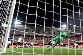 El Atalanta se impone al Valencia en un Mestalla vacío