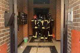 Muere una anciana en el incendio de una vivienda en Madrid